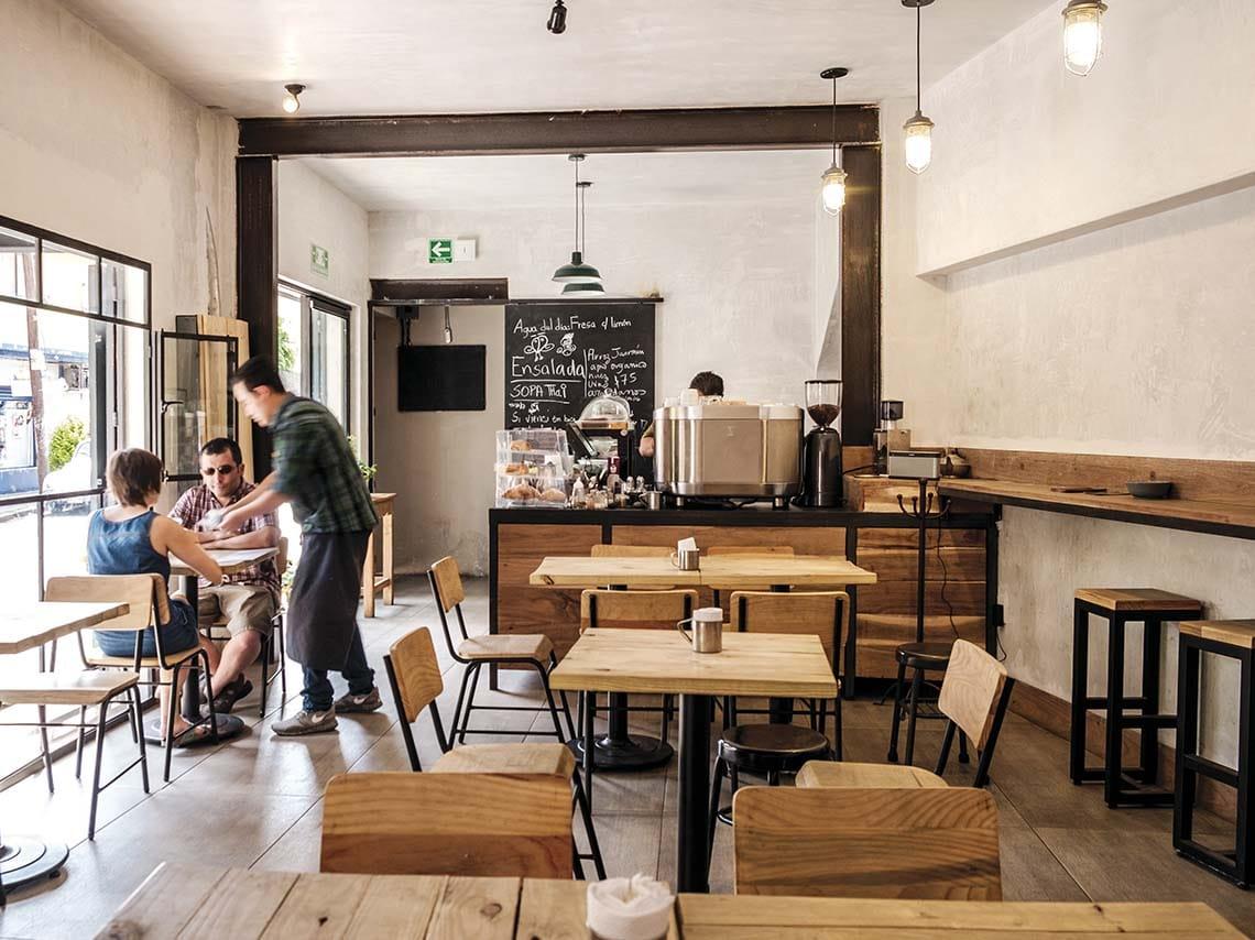 Café El Olvidado, un viaje inglés al pasado en Coyoacán