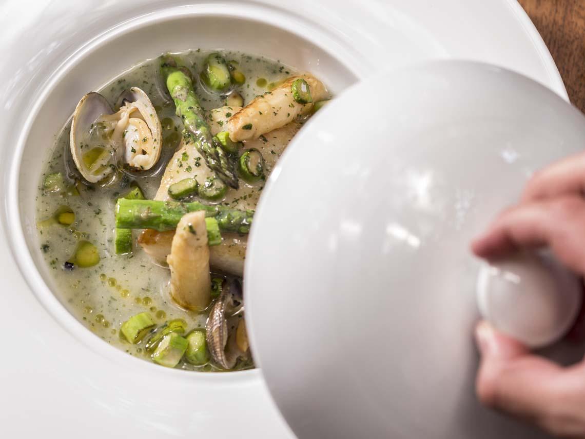 Lur, cocina casera de Mikel Alonso y Gerard Bellver en Polanco