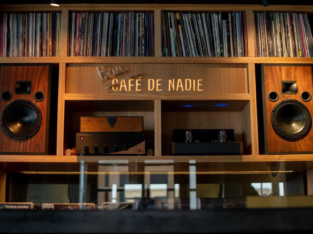Café de Nadie, una experiencia sensorial en La Roma