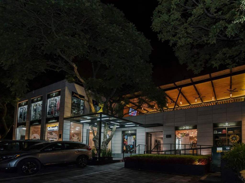 Espacio Sur: un lugar para ir de shopping, comer y tomar café