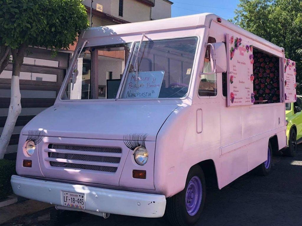 Kumakeup Truck: la beauty truck o camioneta de belleza en la CDMX